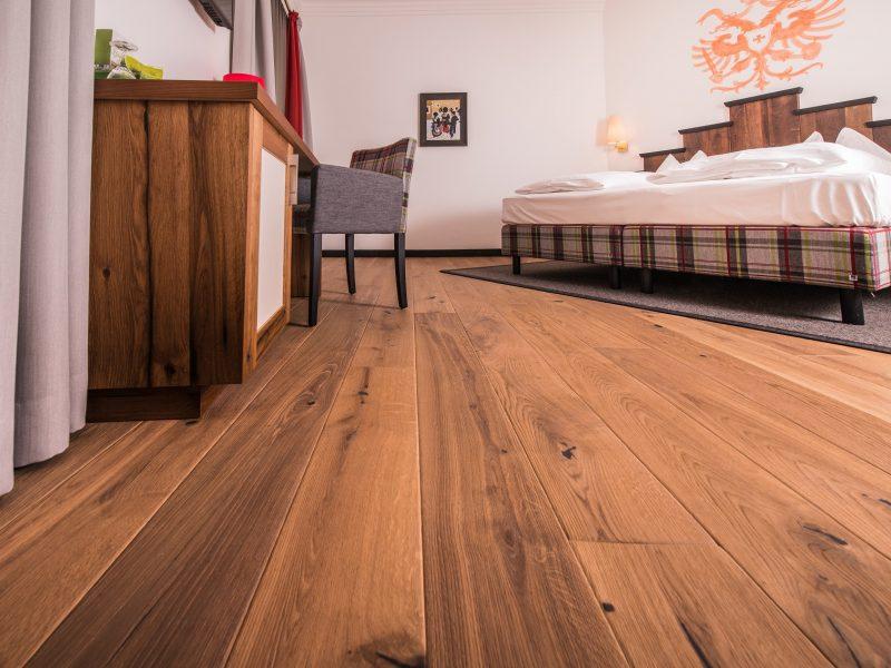 Holzboden Hotelzimmer