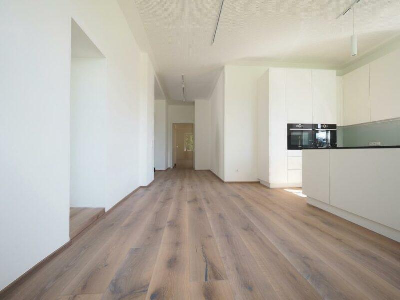 Holzboden Villa